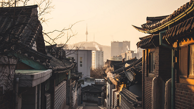 Houses overlook Seoul
