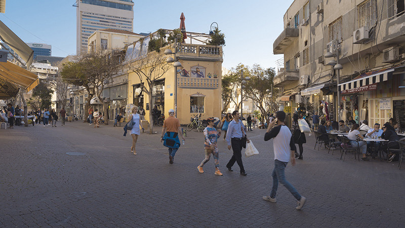 People walking in telaviv city center